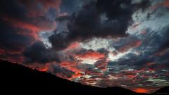 Amanhecer em Fragoso (Guto Machado) Tags: sunrise mountains montanha landscape landscapes nikon brasil clouds