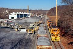 Eastbound At Cedarhurst (DJ Witty) Tags: marylandmidlandrailway fujichrome velvia sd402 emd dieselelectriclocomotive nikonf railroad westernmarylandrailway train photography