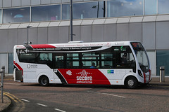 SN15 ABZ, Edinburgh Airport, October 4th 2018 (Southsea_Matt) Tags: sn15abz wright streetlight egph edi edinburghturnhouse october 2018 autumn edinburgh lothian scotland unitedkingdom canon 80d sigma 1850mm transport bus omnibus vehicle secureairparks