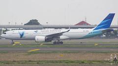 Garuda Indonesia Brand New Airbus A330-900neo PK-GHE (hokuriku_e7) Tags: garudaindonesia gia ga cgk soekarnohatta aviation airplane aircraft airlines airport airbus airbusa330 a330 airbusa330neo a330neo airbusa330900neo a339 a339neo jakarta indonesia