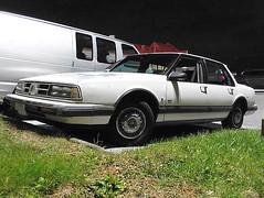 1990 Oldsmobile Eighty Eight Royale (splattergraphics) Tags: 1990 oldsmobile eightyeight 88 olds olds88