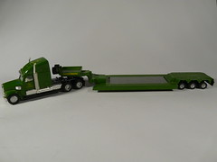 Siku Farmer №1851 → FREIGHTLINER CORONADO JOHN DEERE LOW LOADER 1/87 China 2000's (Xerocomis) Tags: diecast siku germany farmer №1851 → freightliner coronado john deere low loader 187 china 2000's