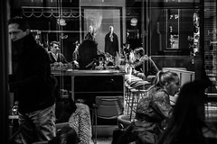 Milan - 2019 (Valentina Ceccatelli) Tags: milan milano italy lombardia street streetphotography streetphotographer winter christmas cold people city città citylife culture cultura cityscape 2019 december dicembre