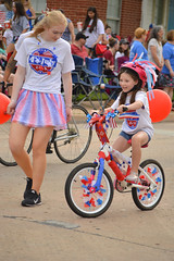 Biking in style (radargeek) Tags: libertyfest 2019 4thofjuly july parade edmond oklahoma ok summer kid child bicycle girl decorated helmet