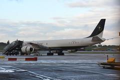 N782SP Samaritans Purse Douglas DC-8, EGBB 12/11/19 (David K- IOM Pics) Tags: n782sp douglas dc8 samaritans purse bhx egbb birmingham elmdon airport