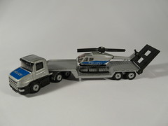 Siku Super №1610 → SCANIA CT14 LOW LOADER w/ HELICOPTER POLIZEI 1/150 China 1999 (Xerocomis) Tags: diecast siku germany super №1610 → scania ct14 low loader w helicopter polizei 1150 china 1999