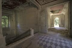 Villa Minetta (notanaddict321) Tags: villa abandoned palazzo urban urbanexploration abadonedplaces leerstehend decay désaffecté destroyed derelict verlassen verfall vide vergessen verrottet