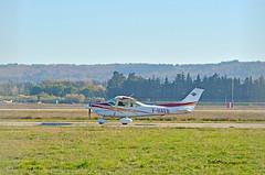 F-HAEB (mduthet) Tags: fhaeb cessna ce182 aéroportavignonprovence aéroclubvauclusien