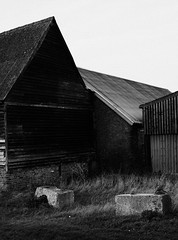 _C080052 (Paul_sk) Tags: paglesham essex farmland farm buildings incamerajpegs