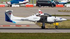 Diamond DA42 Twin Star HB-LUJ Lufthansa Aviation Training Switzerland (William Musculus) Tags: stuttgart flughafen str edds airport spotting aviation william musculus plane airplane diamond da42 twin star hbluj lufthansa training switzerland
