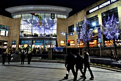 Lowry outlet Christmas (Tony Worrall) Tags: salford xmas christmas lowry festive candid people crowd nice dailyphoto visit lowryoutlet shops shopping lit lights night evening city welovethenorth nw northwest north update place location uk england area attraction open stream tour country item greatbritain britain english british gb capture buy stock sell sale outside outdoors caught photo shoot shot picture captured ilobsterit instragram