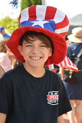 Wearing his Uncle Sam hat (radargeek) Tags: libertyfest 2019 4thofjuly july parade edmond oklahoma ok summer kid child boy smile hat