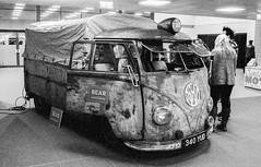Stoneleigh Autojumble - 28/10/18 (CamShaw74) Tags: classiccar classic car bw blackandwhite canon at1 35mm film delta 3200 iso3200 ilford ddx epson v800 grain grainy