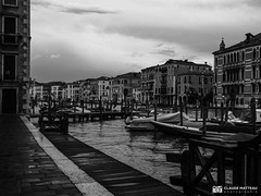 190703-424 Venise (clamato39) Tags: olympus venise italie italy canal eau water ville city urban urbain blackandwhite bw monochrome noiretblanc