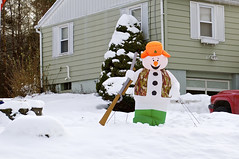 Outdoor Christmas Decorations (pecooper98362) Tags: vestal newyork broomecounty upstatenewyork christmasdecorations outdoorchristmasdecorations inflatablehunter regionaltastes snow morning autumn
