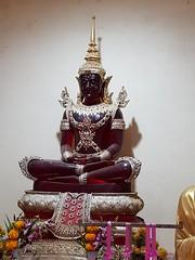 Wat Chumphon Mueang วัดจุมพลเมือง 3 (SierraSunrise) Tags: thailand phonphisai nongkhai esarn isaan religion temple buddhism shrine buddha statue idol red