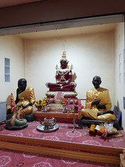 Wat Chumphon Mueang วัดจุมพลเมือง 2 (SierraSunrise) Tags: thailand phonphisai nongkhai esarn isaan religion temple buddhism shrine buddha statue idol red