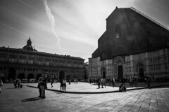 The Red City turned black and white (deppy_kar) Tags: piazzamaggiore bologna italy sanpetronio piazza cathedral duomo basilica bw blackandwhite black white streetphotography street sky oldtown nikon nikond5200 d5200 nikkor dslr people