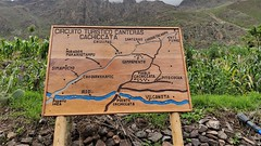 Route Map - Walking to the Inca Quarries of Cachiqata (Cachiccata)  - Ollantaytambo, Peru (John Meckley) Tags: ollantaytambo inca incaroad travel peru southamerica cusco map sign hike walk treking