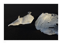 Iceland 2019 (Michael Fleischer) Tags: iceland landscape colour black beach sand gravel ice figure morning light icecrystal nikon d810 nikkor 70200mm f40 vr autumn pattern texture jökulsárlón diamondbeach fellsfjara