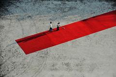 Red Carpet (Giorgio Ghezzi) Tags: carpet tappeto red rosso doha qatar