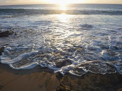 Sunset tide (thomasgorman1) Tags: tide sea ocean fujifilm island sunset wave horizon beach molokai hawaii shore shoreline seascape sunshine sunlight sundown beacheslandscapes