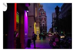 Urban street! (Vicensalamas) Tags: gente paseos street color noche urban people valencia teatro