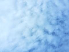 軟綿綿的天空 (亞刃) Tags: 714mm olympus em10mkiii m43 blue cloud