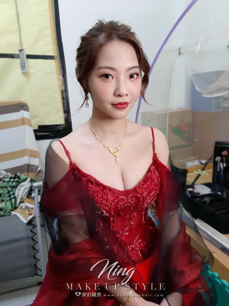 【新秘羽寧 】bride袈宜 訂婚造型 / 浪漫自然