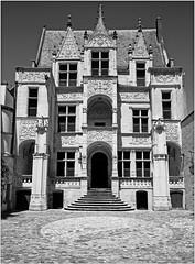 Hôtel Goüin, Tours, Indre-et-Loire, France (claude lina) Tags: claudelina france indreetloire tours hôtel maison house demeure architecture hôtelgoüin