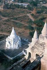 Blick in die Tiefe (walter 7.8.1956) Tags: 1981 myanmar asien burma bagan tempel pagode