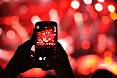 Red bokeh (JMZ Photos) Tags: nikon nikkor d700 bokeh 50mm music gig concert red smartphone zywiec hands taking picture