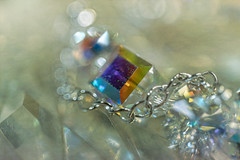 the bracelet HMM (Dotsy McCurly) Tags: macromondays chain bracelet hmm happymacromonday macro canoneos80d efs35mmf28macroisstm bokeh
