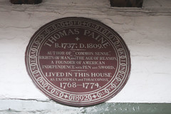 Bull House    | Lewes (Carneddau) Tags: bullhouse highstreet lewes tompaine plaque