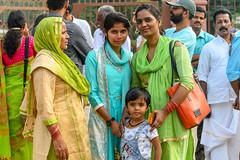 India - Near Qutab Miniar - Family - 0189 (Peter Goll thx for +14.000.000 views) Tags: z6 nikon delhi nikkor28300 mirrorless colour frau qutabminar indien child spiegellos color woman colorful nikonz6 nikonz family 2019 kind nikkor neudelhi
