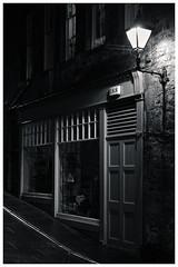 Backstreets, Royal Mile, Edinburgh(3) (S.R.Murphy) Tags: edinburgh fujifilmxf35mmf2 night nov2019 urban urbanlandscape fujifilmxt2 nightphotography socialdocumentary streetphotography bw bnw blackandwhite monochrome