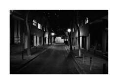Barcelona (Koprek) Tags: kodaktrix film analog october 2019 barcelona lowlight nightlight nigtlight 135mm konicahexaraf streetphotography stphotographia stphotography