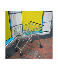 trolley (chrisinplymouth) Tags: shopping trolley cart corner plymouth devon england urbio cameo trait uk city cw69x square insquare cw69sq explored inexplore plymgrp 2018