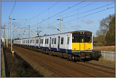 315's at Malzer (Jason 87030) Tags: pair duo emu brace white clean class315 london overground tfl acelectric malsor ts lineside northants northamptpnshire canon eos shot shoot session line tracks miltonmalsor malzer lighting sunny weather december 2019
