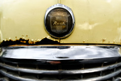 Nash Ambassador Super (#1), 9th Street W. (Eric Seibert) Tags: ericseibert vintagecar rust yellowcar nashautomobile rustycar urbandecay rustingaway bradentonflorida seenonthestreet nikonz7