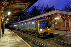 166217 Class 166 Network Turbo Express (Roger Wasley) Tags: 166217 class166 network turbo express gwr greatwestern railway greatmalvern station dusk night train railways engine dmu