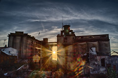_IMG4460 Panificadora, Vigo (Rafael Ojea) Tags: vigo pentaxk1 panificadora silos solpor atardecer urbanas