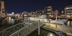 Hafencity - 29101901 (Klaus Kehrls) Tags: hamburg hamburgerhafen hafencityhamburg architektur nacht nachtaufnahme schiffe brücken panorama