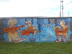 aspettando un leader (en-ri) Tags: scorie skechmate arancione azzurro savigliano wall muro graffiti writing players suonatori musicisti chitarra casse batteria