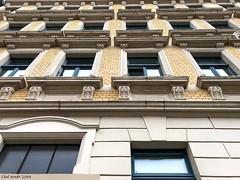 beautiful facade in Leipzig / Saxon (seanavigatorsson) Tags: architektur architecture windows doors fenster türen portal entres fassaden fassade buildings bauwerke leipzig saxon