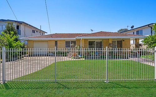 24 Campbell St, Scarborough QLD 4020