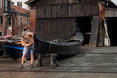 worker (Ricardo José Maksoud) Tags: venice italy people worker gondola