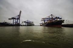 Hamburg0199 (schulzharri) Tags: hamburg hh hafen harbor haven deutschland germany europa europe schiff frachter vessel ship boat wasser water
