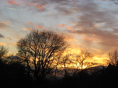 Von seinem Himmelsthrone (amras_de) Tags: abend vespre vecer aften evening vespero ilta vespere sera vesper vakaras avond kveld seara forenicht kväll aksam sonnenuntergang escureixito ocàs soumrak solnedgang sunset ocaso päikeseloojang auringonlasku coucherdesoleil zalazaksunca tramonto soloccidens saulelydis riets zonsondergang soleglad zachódslonca pôrdosol apus scurata dayset západslnka solnedgång himmel nebo cel obloha sky cielo zeru taivas ciel spéir ég himinn dangus debesis hemelgewelf cèu niebo céu cer celu lift gökyüzü