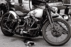 Harley Shovelhead (john Truman) Tags: harley davidson shovelhead vintage classic usa lydden bikeshed monochrome bw film analogue om2n olympus 35mm ilford hp5 zuiko